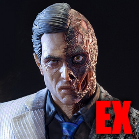 Museum Masterline Batman: Arkham Knight Two Face EX Version