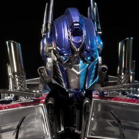 Premium Bust Transformers: Dark of the Moon Optimus Prime