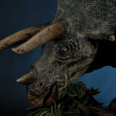 Legacy Museum Collection Jurassic Park (Film) Triceratops 1/15 scale