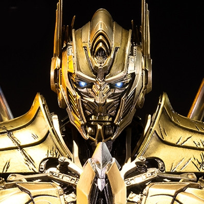 Museum Masterline Transformers: Age of Extinction Optimus Prime Knight Edition Gold Version